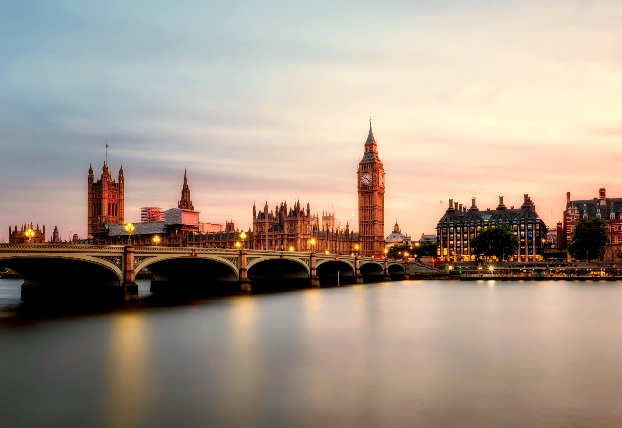 Historical places to visit in England